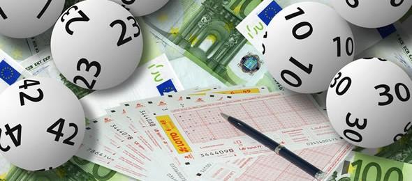 Junges Paar gewinnt 54 Millionen Euro im Lotto